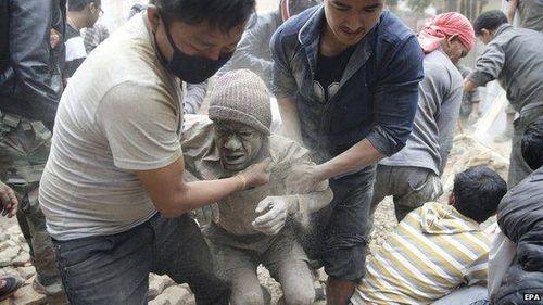 Thảm họa động đất ở Nepal, ít nhất 500 người đã chết - Ảnh 1