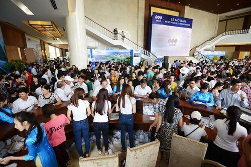 Hơn 300 khách đặt mua biệt thự của FLC tại Sầm Sơn trong ngày mở bán - Ảnh 2