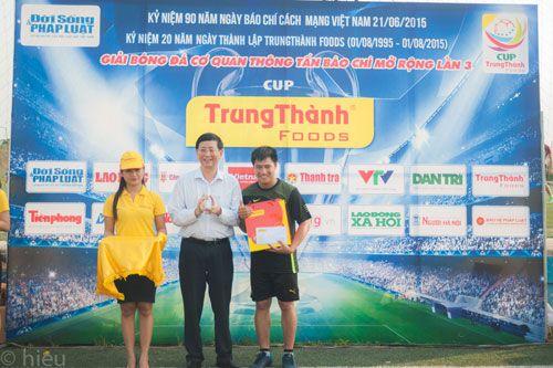 Đội bóng báo ĐS&PL giành giải Nhì cúp Trung Thành - Ảnh 3
