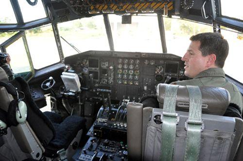 """Khám phá máy bay """"siêu tải"""" của Mỹ tại Đà Nẵng - Ảnh 7"""