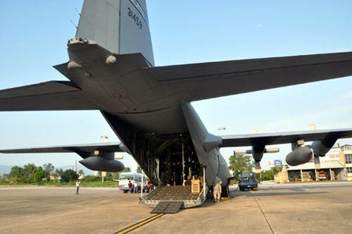 """Khám phá máy bay """"siêu tải"""" của Mỹ tại Đà Nẵng - Ảnh 1"""