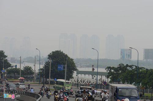 Sương mù bất thường xuất hiện dày đặc ở Sài Gòn - Ảnh 2