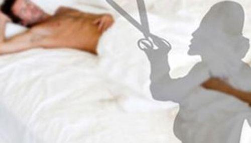 """Đang ngủ say, chồng bị vợ cắt """"của quý"""" - Ảnh 1"""