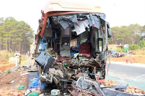 Tai nạn kinh hoàng ở Đắk Lắk: Xác định danh tính 17 nạn nhân - Ảnh 1