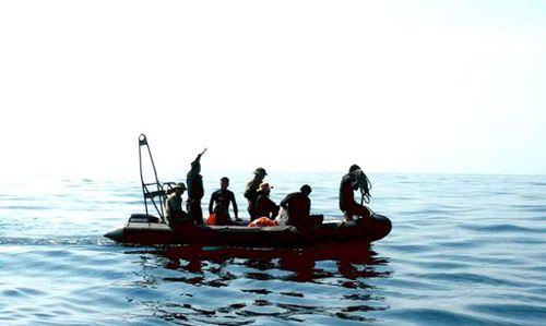 Máy bay SU-22 rơi ở Bình Thuận đã vỡ khi lao xuống biển? - Ảnh 1