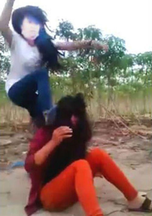 """Nữ sinh đánh """"ghen"""" giùm... bạn ở Tây Ninh bị buộc thôi học 1 tuần - Ảnh 2"""