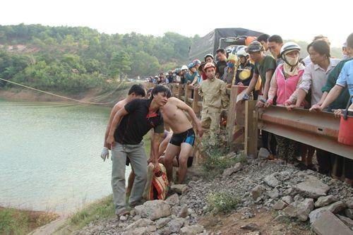Người đàn ông tử vong dưới sông nhưng không có dấu hiệu chết đuối - Ảnh 1