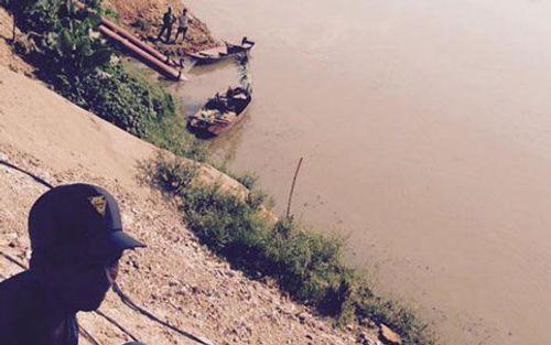 Trắng đêm tìm kiếm 2 học sinh mất tích trên sông Lam - Ảnh 1