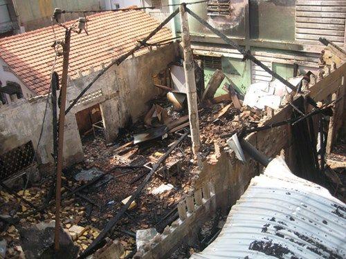 Hỏa hoạn thiêu rụi xưởng gỗ, thiệt hại hàng tỷ đồng - Ảnh 2
