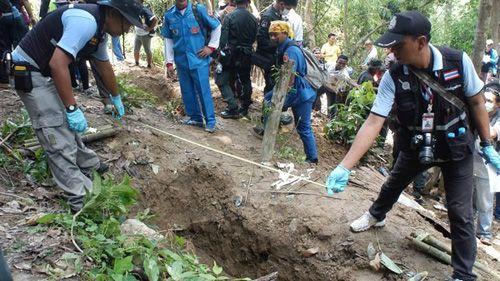 Phát hiện 26 thi thể người tị nạn tại khu mộ tập thể ở Thái Lan - Ảnh 1