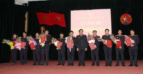 VKSNDTC trao quyết định bổ nhiệm Kiểm sát viên cao cấp - Ảnh 2