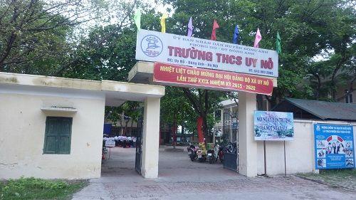 Sở GD yêu cầu xử lý nghiêm nữ sinh Hà Nội đánh bạn ngay trong trường - Ảnh 1