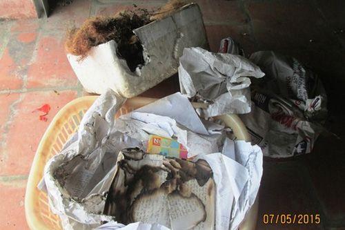 Kỳ lạ căn nhà nhiều đồ vật trong nhà tự dưng bốc cháy  - Ảnh 2