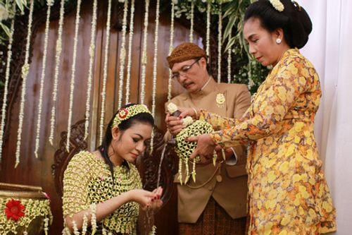 Con trai Tổng thống Indonesia kết hôn với hoa khôi xinh đẹp - Ảnh 2