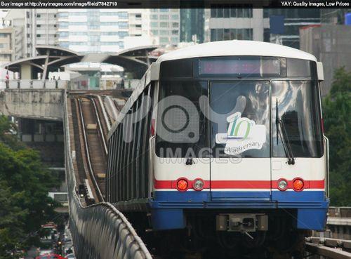 Đường sắt trên cao nước ngoài có uốn lượn như ở Việt Nam? - Ảnh 4