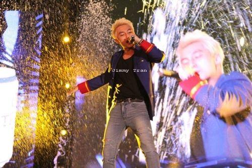 Fan hâm mộ mê mẩn cơ bắp cuồn cuộn nam tính của Sơn Tùng MTP - Ảnh 5