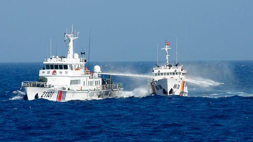 Phản đối tàu TQ có hành động cản trở tàu cứu nạn ngư dân VN - Ảnh 1