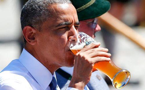 Tổng thống Obama đi uống bia với Thủ tướng Merkel ở Đức - Ảnh 2