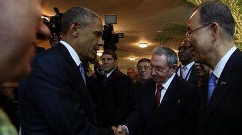 """Lãnh đạo Mỹ, Cuba lần đầu bắt tay làm """"nóng"""" Tây bán cầu - Ảnh 1"""