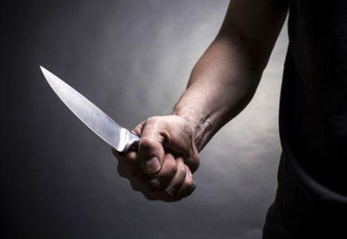 """Người làm thuê đâm chết chủ nhà vì nghi """"tòm tem"""" với vợ mình - Ảnh 1"""