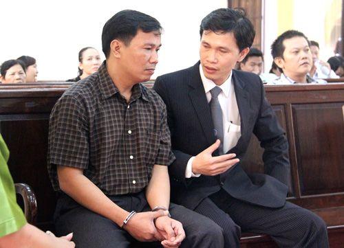Vụ CSGT bắn chết cấp trên: Ngô Văn Vinh lĩnh 9 năm tù - Ảnh 1