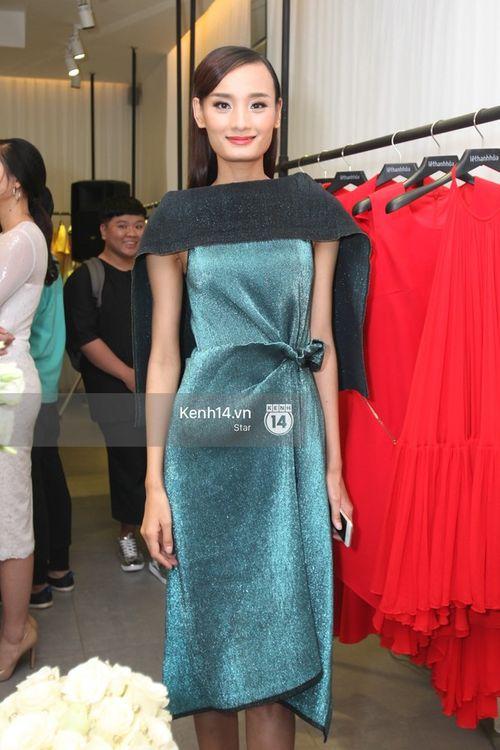 Ngọc Trinh, Angela Phương Trinh xuất hiện với khuôn mặt cứng đơ trong sự kiện - Ảnh 18