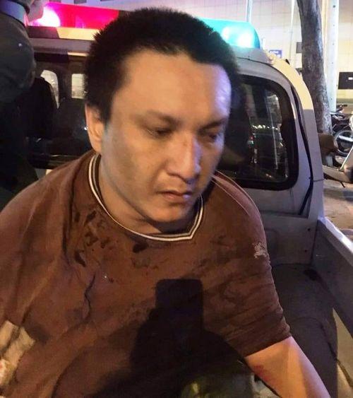 Công an nổ súng bắt tên cướp giữa phố Sài Gòn - Ảnh 1