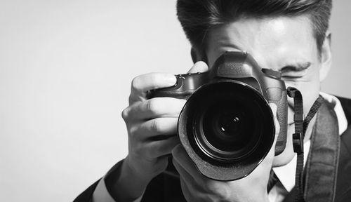 Quy định mới về triển lãm ảnh khỏa thân lộ rõ danh tính - Ảnh 1