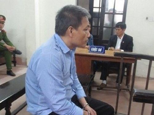 Lĩnh án tù vì quật ngã cựu kiểm sát viên để cướp tiền - Ảnh 1