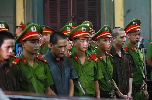 Vụ giết 6 người trong gia đình ở Bình Phước: Y án sơ thẩm - Ảnh 1