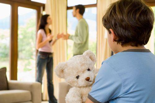 Không được thăm nuôi con sau khi ly hôn phải làm thế nào? - Ảnh 1