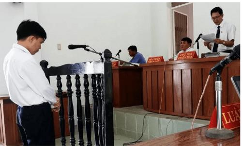 Bắt quả tang một chấp hành viên nhận tiền để thi hành án - Ảnh 1