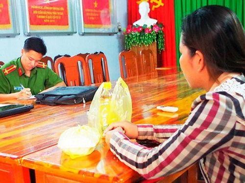 Lừa các cô gái sang Trung Quốc làm việc để bán - Ảnh 1