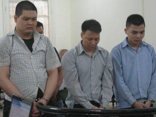 Vô cớ truy sát người, nhóm côn đồ lĩnh 27 năm tù - Ảnh 1
