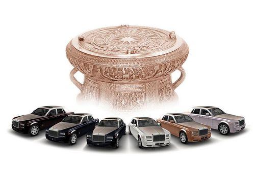 """Rolls-Royce Phantom Lửa thiêng 50 tỷ """"náo loạn"""" đường phố HN - Ảnh 9"""
