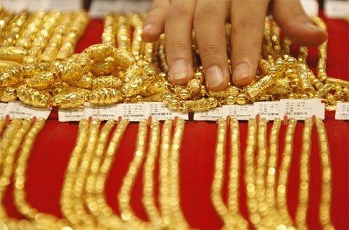 """Giá vàng hôm nay (21/4): Giá vàng SJC """"mất"""" 100.000 đồng/lượng - Ảnh 1"""