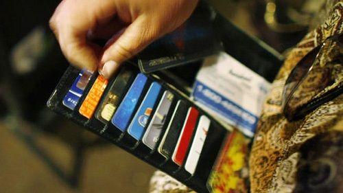 """Thẻ tín dụng là gì? Những sai lầm khi dùng thẻ tín dụng khiến bạn """"thủng ví"""" - Ảnh 1"""