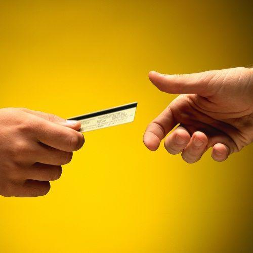 """Thẻ tín dụng là gì? Những sai lầm khi dùng thẻ tín dụng khiến bạn """"thủng ví"""" - Ảnh 2"""