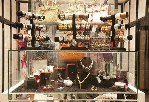 Nữ tỷ phú hot girl sở hữu hơn 200 túi  Hermes đến Ngọc Trinh cũng phải ghen tỵ - Ảnh 7