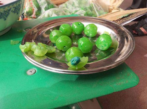 Gạo giả, trứng gà, mực, nghi làm từ nhựa khiến người Việt hoang mang - Ảnh 6