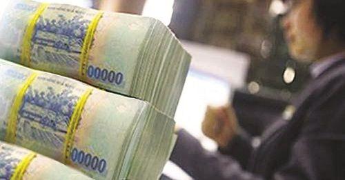 """""""Choáng"""" với mức lương 4 tỷ của sếp ngân hàng - Ảnh 1"""