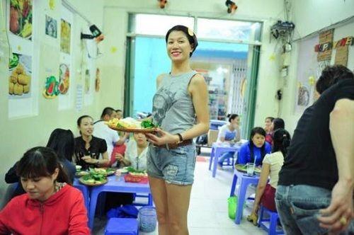 """2 quán ăn """"hốt bạc của người mẫu Trang Trần - Ảnh 2"""