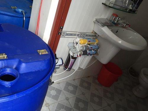 Nguy cơ vô sinh vì khăn giấy ướt giả sản xuất trong.. nhà vệ sinh - Ảnh 1