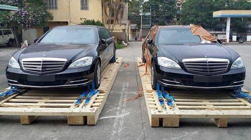 2 chiếc Limousine chống đạn của Bộ Ngoại giao đã về Việt Nam - Ảnh 1