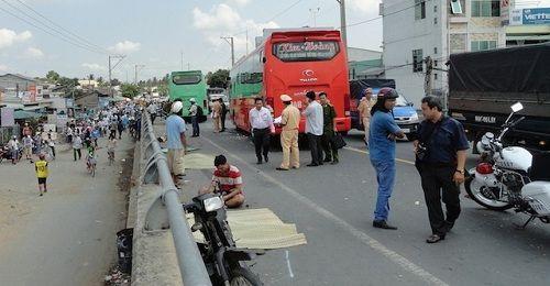 """Vụ tai nạn 4 người chết: 2 xe khách """"đua tốc độ"""" trên 100km - Ảnh 1"""