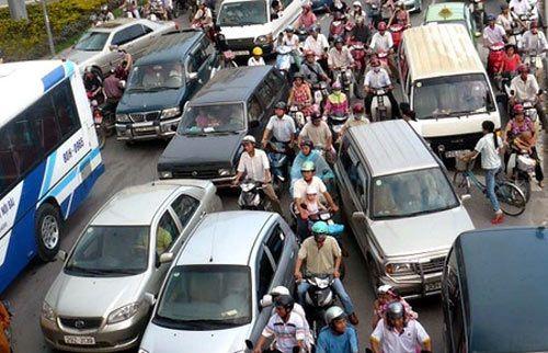 Phí chồng phí với xe ô tô: Giá xe giảm là điều không tưởng - Ảnh 2