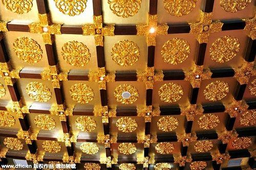 Cận cảnh khách sạn 74 tầng dát vàng ở Trung Quốc - Ảnh 8