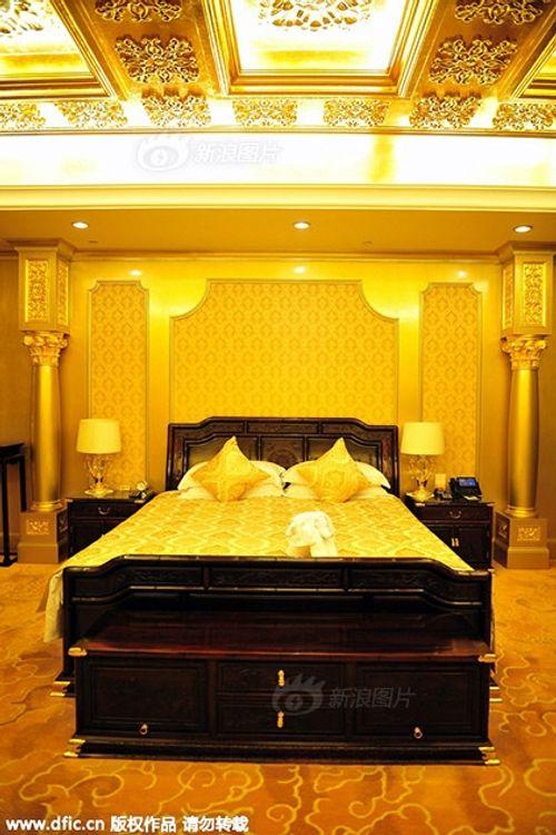 Cận cảnh khách sạn 74 tầng dát vàng ở Trung Quốc - Ảnh 10