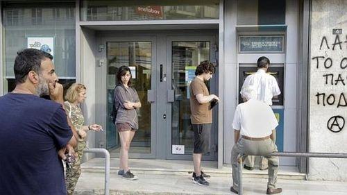 Khủng hoảng nợ ở Hy Lạp: Cứu cách nào? - Ảnh 1