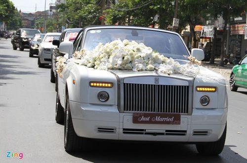 """Thân thế """"khủng"""" của chú rể rước dâu bằng siêu xe gây chấn động xứ Nghệ - Ảnh 1"""